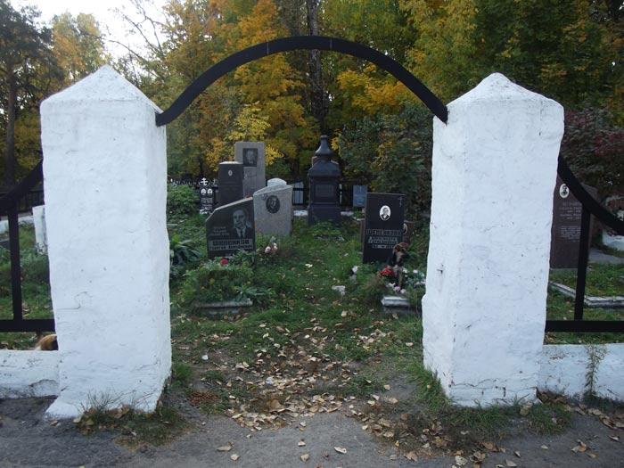 привлёк план кладбища,